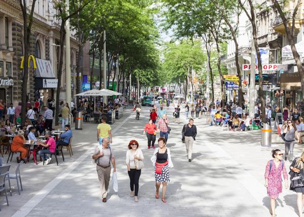 شارع ماريا هلفر فيينا