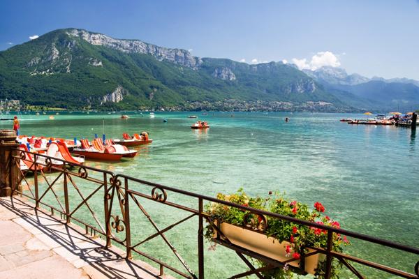 بحيرة انسي فرنسا