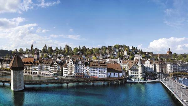 مدينة لوزيرن في سويسرا