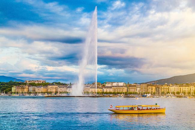 بحيرة جنيف والنافورة